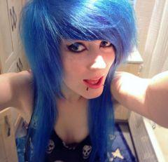 BLUEEE